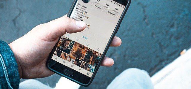 Make an Income through Social Media